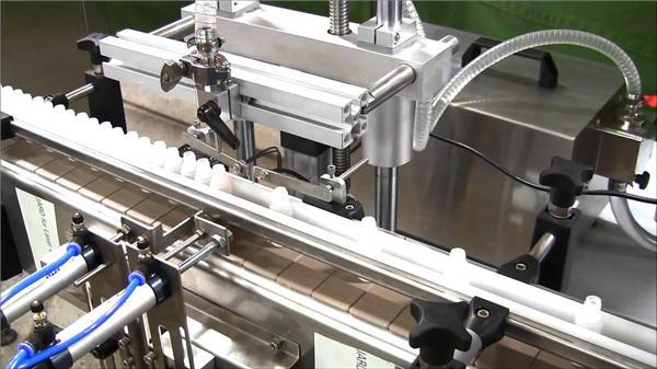 Аутоматска машина за пуњење боца са високим брзинама